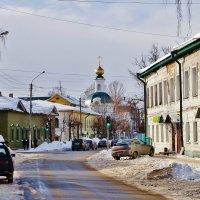 Март на улицах Костромы . :: Святец Вячеслав
