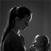 Мама с ребенком :: Андрей Иванов