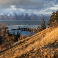 Озеро Севан :: Сергей Рогозин