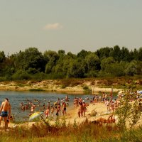 залив Сожа в пляжный сезон :: Александр Прокудин