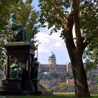 Памятник Ференцу Деаку в Будапеште :: Денис Кораблёв