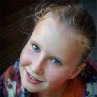 """А у нас во дворе есть девчонка одна..."" © :: Александр Никитинский"