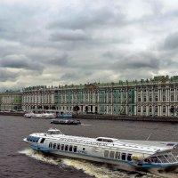 На осенней Неве... :: Sergey Gordoff