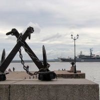 Славный город Кронштад - корабли, якоря :: Nina Karyuk