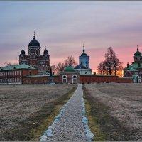 Семёновское. Монастырь на закате :: Сергей Никитин