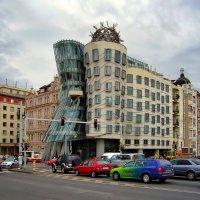 Танцующий дом в Праге :: Денис Кораблёв