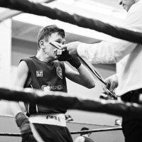 Боль и радость — эмоции юного боксера в объективе :: Татьяна Долгачева