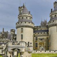 самый крупный феодальный замок во Франции Пьерфон (chateau de Pierrefonds) :: Георгий