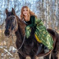 Конная прогулка по сказочному лесу :: Наталья Шигенина