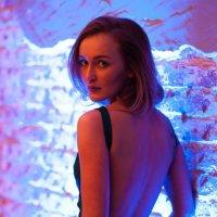 Девушка в ночном свете :: Алексей Саломатов