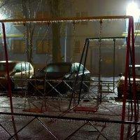 Ночь во дворе :: Константин Бобинский