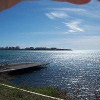 Взгляд из-под руки на ветренный пейзаж :: Валерий Дворников
