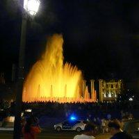 Поющие фонтаны Барселоны. :: Татьяна Гусева