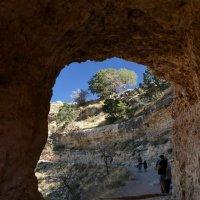 Идя по тропе древних индейцев... (Гранд-Каньон, Аризона, США :: Юрий Поляков