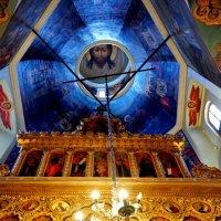 Внутреннее убранство Храма. :: Николай Ярёменко