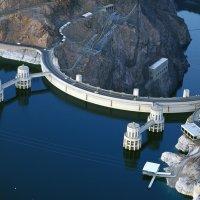 Уникальная плотина Гувера и ГЭС на р.Колорадо (1935 г., США) :: Юрий Поляков