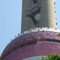 Мойка башни в г. Шанхай :: Вадим Голубев