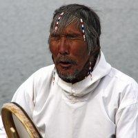 ШАМАНСТВО... (Гренландия, поселок Кулусук) :: Олег Неугодников