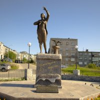"Памятник ""Ждущей"" Мурманск :: Алексей Розанов"