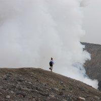 девочка с пони на вулкане:) :: Дарья Воропаева