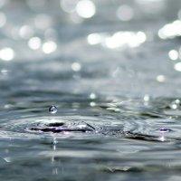 капелька в озеро :: Любовь Овсянкина