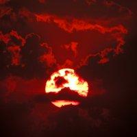 грозное небо :: Люба Вылывана