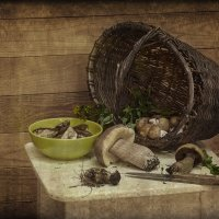 Натюрморт с белыми грибами :: Надежда Лаптева