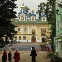 В Псково-Печерском монаcтыре :: esadesign Егерев