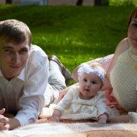 Карина и Антон с дочкой Ангелиной :: Julia K