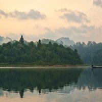 Тайланд озеро Чео Лан на рассвете :: Наталия Горюнова