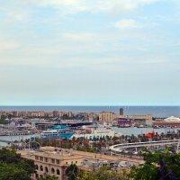 Барселона со смотровой площадки «Мирадор дель Алькальде» :: Татьяна Ларионова