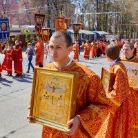 Крестный ход в Пятигорске. Красная горка :: Николай Николенко
