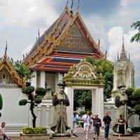 Вход в монастырь Ват По и  Храм лежащего Будды . :: ИРЭН@ .