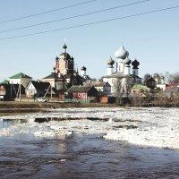 Весна на реке Тихвинка :: Сергей Кочнев