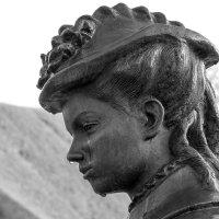 Скульптуры тоже умеют плакать. :: Анатолий. Chesnavik.