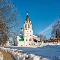 Покровская церковь и снег :: Юлия Батурина