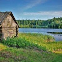 Баня на Бородаевском озере :: Валерий Талашов