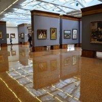 Большой зал галереи :: Анатолий Колосов