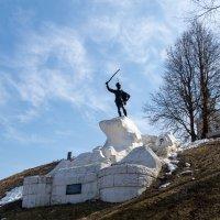 Памятник Дорохову :: Олег Пученков