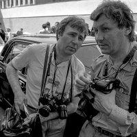 Фотокорреспонденты Павел Кривцов и Сергей Жабин. :: Игорь Олегович Кравченко