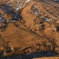 Деревня в ущелье :: Сергей Жуков