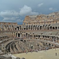 Тёплый ноябрь в Риме!(Таков  Колизей  внутри) :: Виталий Селиванов