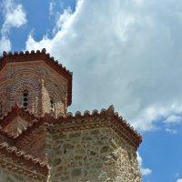 Стены монастырские.. :: Любовь С.