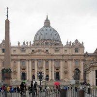 Ватикан. Собор Святого Петра в дождь :: Алла Захарова