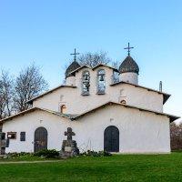 Церковь Покрова и Рождества Богородицы от Пролома, г.Псков :: Виктор Желенговский