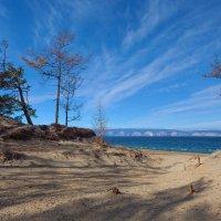 Песчаный берег острова Ольхон :: Анатолий Иргл