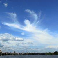 И светлый ангел распростёр над нами два крыла... :: Тамара Бедай