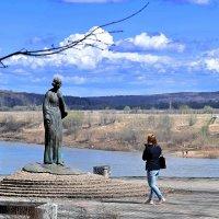 Памятник Марине Цветаевой был установлен в октябре 2006 г.(8.10.1892 - 31.08.1941) :: Татьяна Помогалова