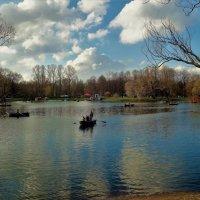 Парк накануне Первомая... :: Sergey Gordoff