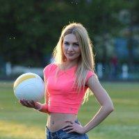Девушка и волейбол :: Анастасия Грек